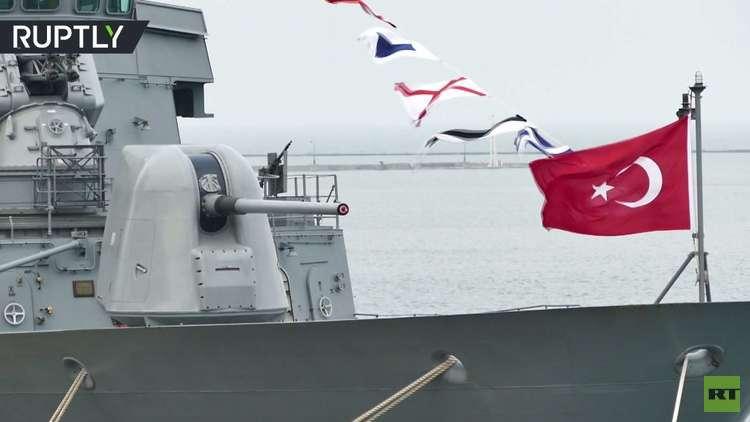 سفينتان تركيتان ترسوان في ميناء أوديسا الأوكراني