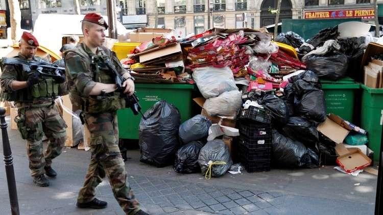 السويسريون يرمون قمامتهم في فرنسا