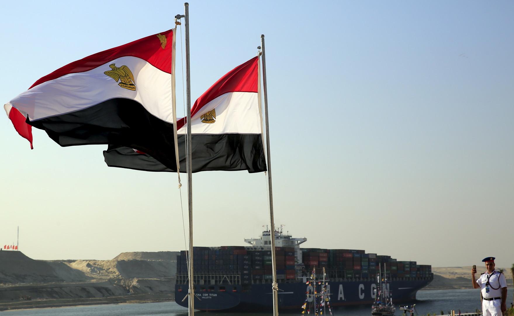 مصر.. مشروع خط حديدي لربط المتوسط والأحمر