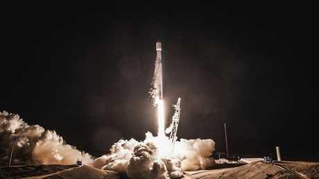 الصاروخ فالكون 9