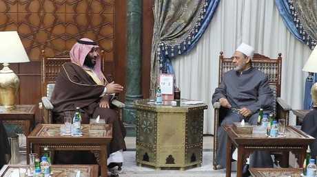 ولي العهد السعودي الأمير محمد بن سلمان وشيخ الأزهر أحمد الطيب
