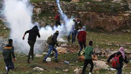 مواجهات بين شباب فلسطيني وقوات إسرائيلية - أرشيف