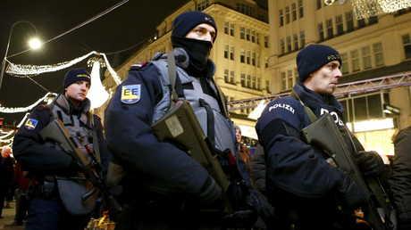 قوات الشرطة وسط فيينا