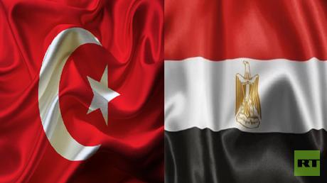 العلمان المصري والتركي