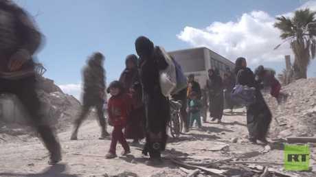 استمرار خروج المدنيين من حمورية بالغوطة