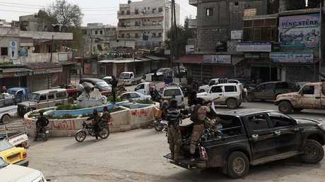 الجيش التركي والقوات المتحالفة معه تدخل عفرين السورية