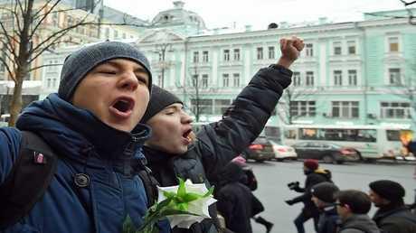 المعارضة الروسية تحضر للاحتجاج خلال مراسمتنصيب بوتين