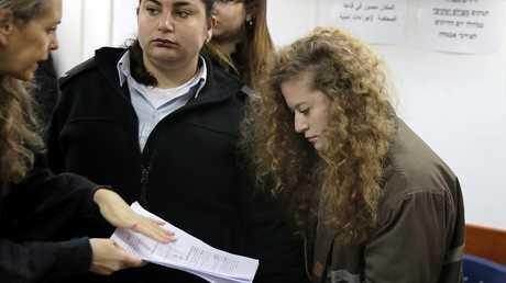 الطفلة الفلسطينية عهد التميمي المعتقلة لدى إسرائيل