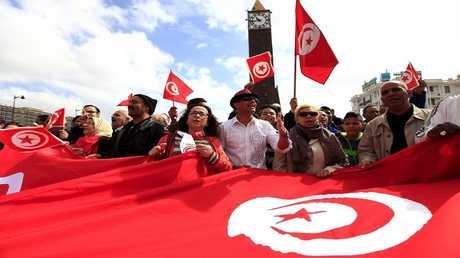تونسيون في شوارع العاصمة