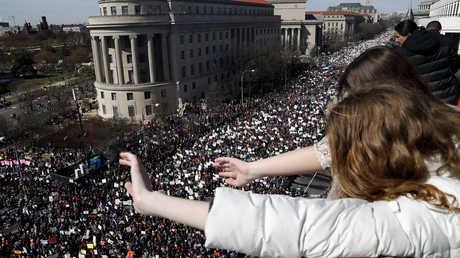مئات الآلاف في شوارع واشنطن احتجاجا على العنف المسلح