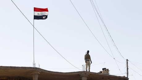 أحد عناصر القوات العراقية