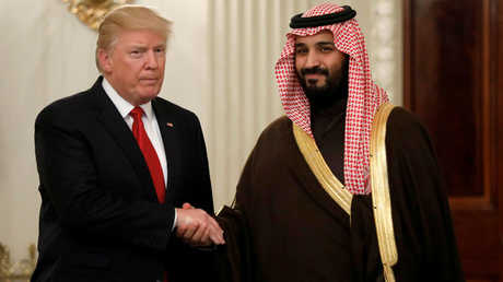 الرئيس الأمريكي، دونالد ترامب، وولي ولي العهد السعودي، محمد بن سلمان، خلال اللقاء بينهما في واشنطن يوم 14 مارس/آذار 2017