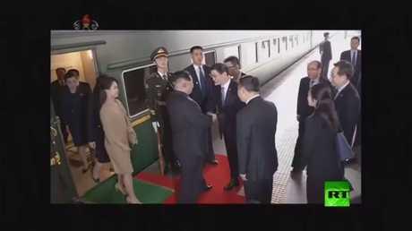 لحظات وصول كيم جونغ أون إلى بكين بالقطار