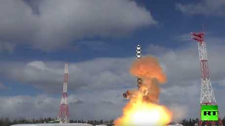 "اختبار صاروخ "" سارمات"" الثقيل"
