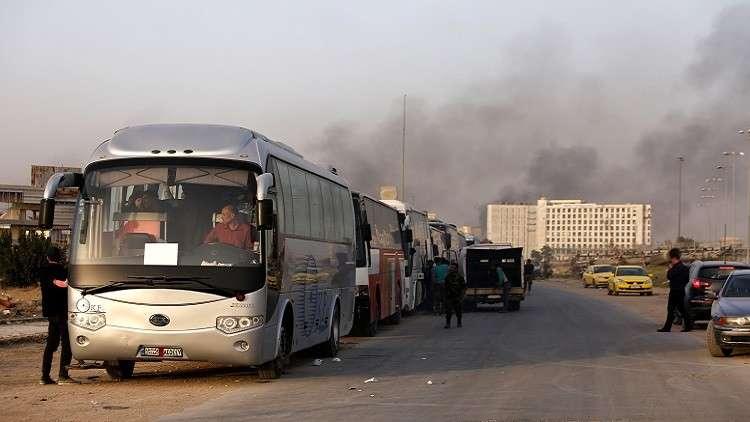 بدء رحيل المسلحين عن دوما إلى إدلب