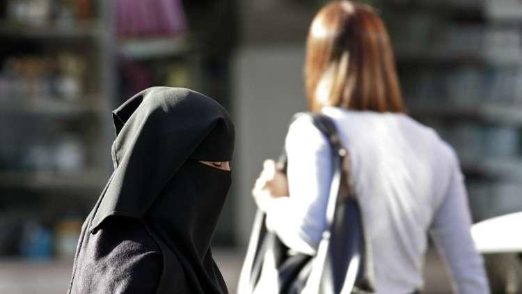 مسلمو بريطانيا يتبادلون رسائل التحذير من حملة