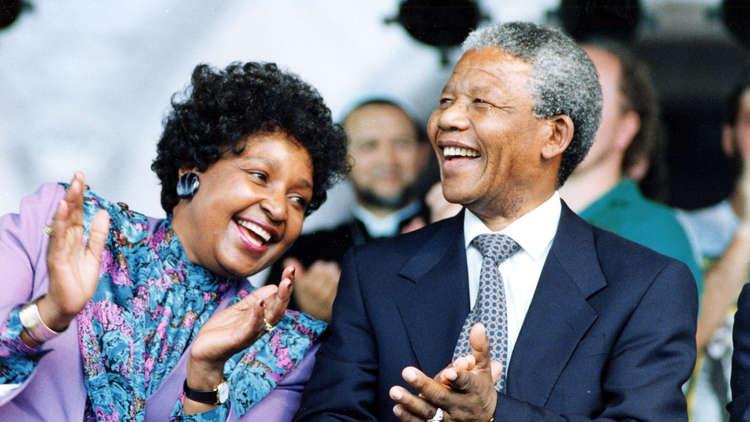 زعيم جنوب أفريقيا الراحل، نيلسون مانديلا، وزوجته الثانية ، ويني ماديكيزيلا