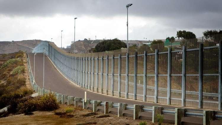 ترامب يأمر بنشر الحرس الوطني على الحدود مع المكسيك