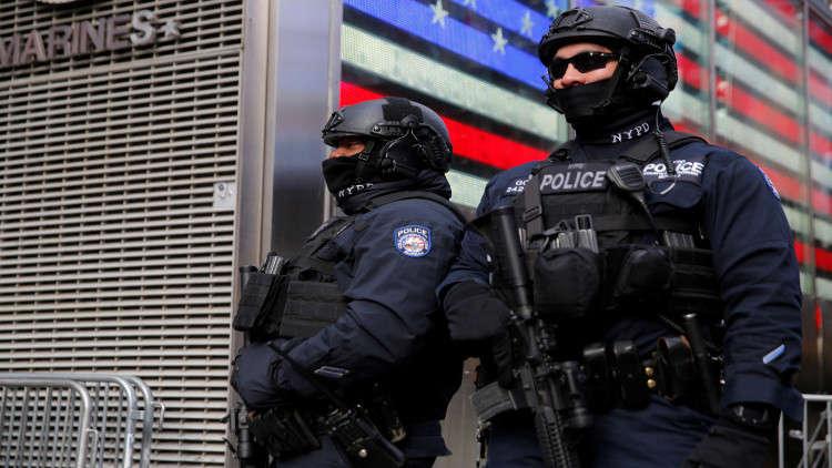 شرطة نيويورك تقتل رجلا أسود بسبب ماسورة معدنية