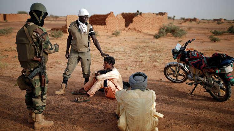 مالي.. الجيش يعلن مقتل 14