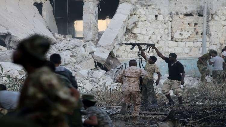 ليبيا تشكل قوة قتالية لردع مهربي السلاح والبشر