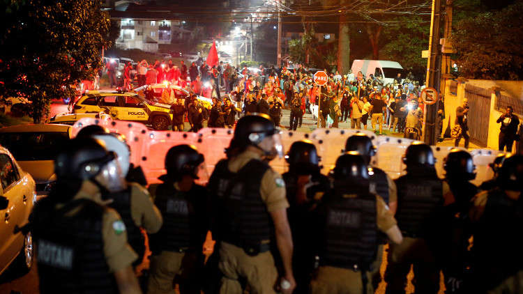 إصابات بين محتجين على اعتقال الرئيس البرازيلي الأسبق