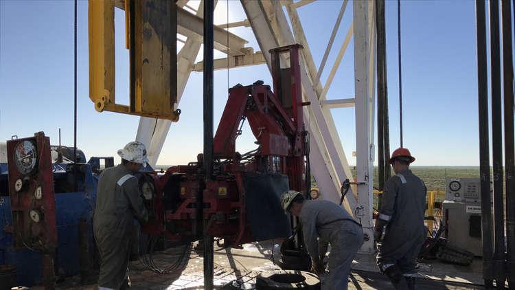 النفط يصعد رغم زيادة أنشطة الحفر الأمريكية