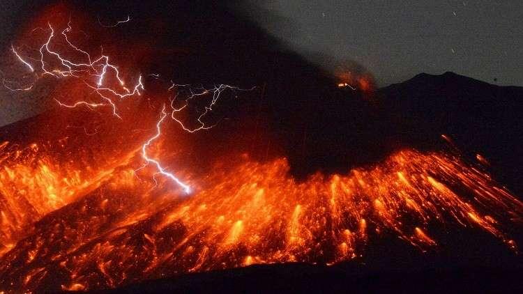 تشكل نادر لثوران الحمم البركانية عمره 50 عاما (صور)