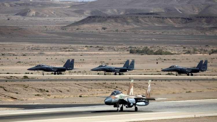 مسؤول استخباراتي إسرائيلي سابق: هناك هدفان لقصف قاعدة