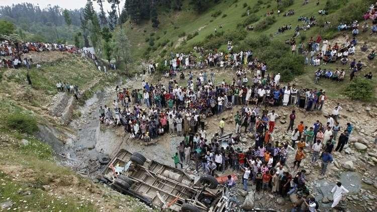 مصرع 17 طفلا على الأقل في حادث سير بالهند