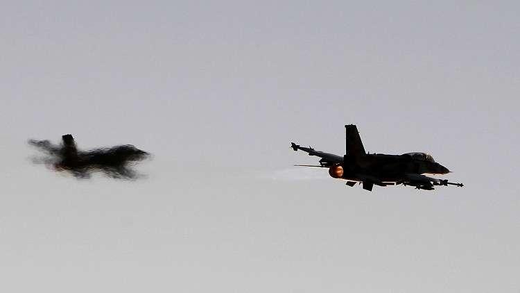 مراسلنا: الطيران الإسرائيلي يشن ضربات صاروخية على عدة مواقع في قطاع غزة