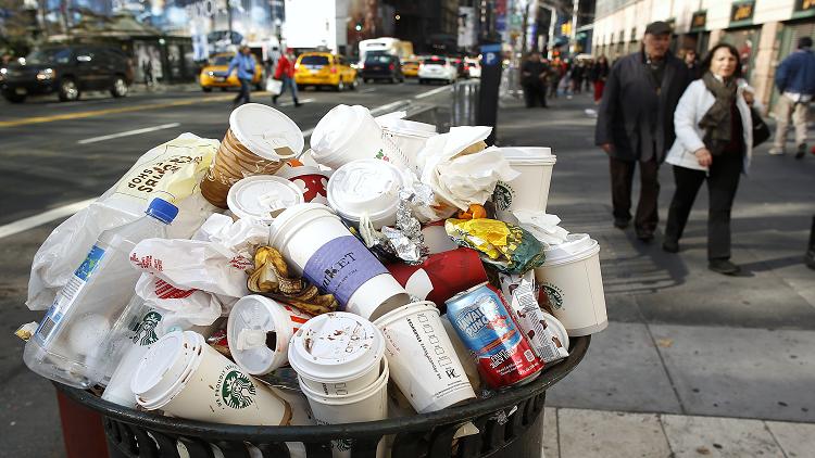 الصين ترفض استقبال النفايات الأمريكية وتقوم بإعادتها
