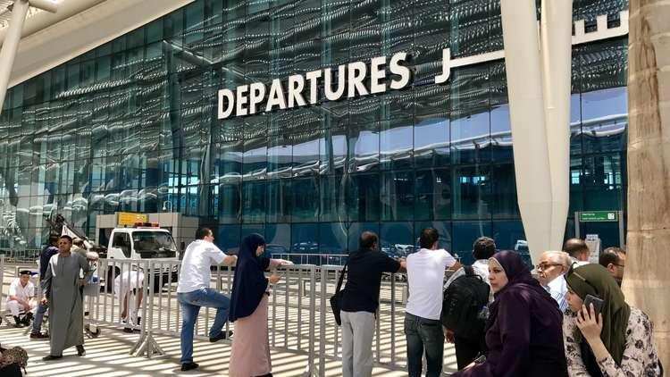 سودانية تجبر طائرة مصرية على الهبوط اضطراريا