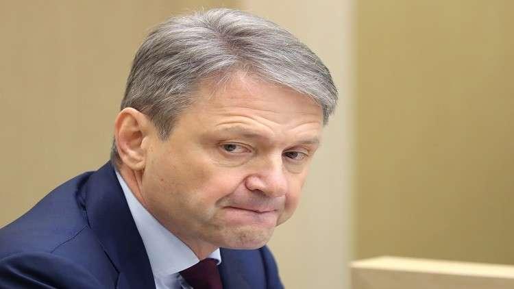 وزير روسي يتضاعف دخله 100مرة بفضل أمه