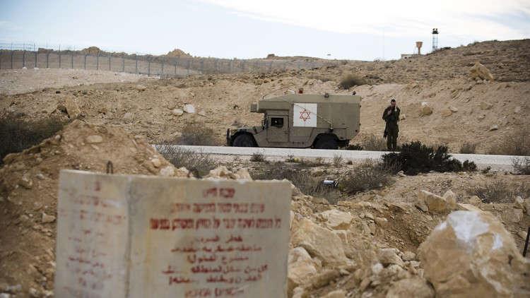 مقتل جندي إسرائيلي جراء انقلاب دبابة