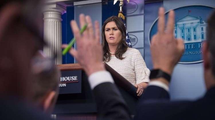 البيت الأبيض: المصلحة الشخصية وراء ثقة مدير FBI السابق بفوز كلينتون