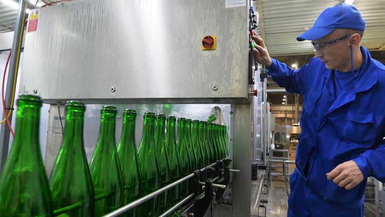 شركات الكحول تمول أبحاثا ضخمة لدفع الناس لـ