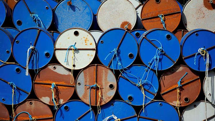 صعود النفط وسط مخاوف تعطل الإمدادات