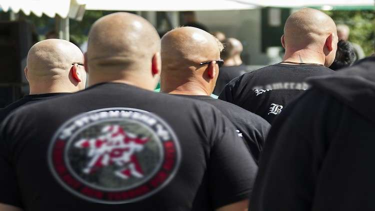 الشرطة الألمانية تلاحق عناصر