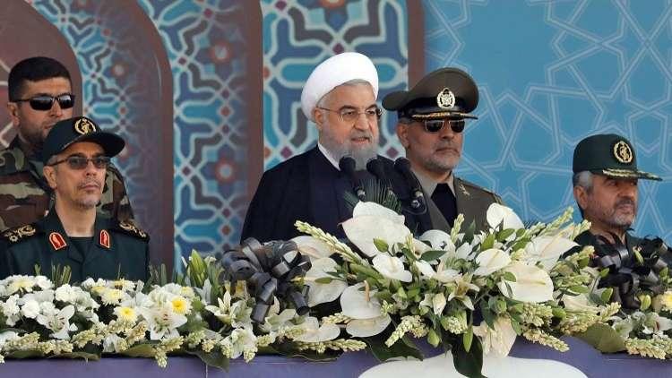 عرض عسكري إيراني حاشد في