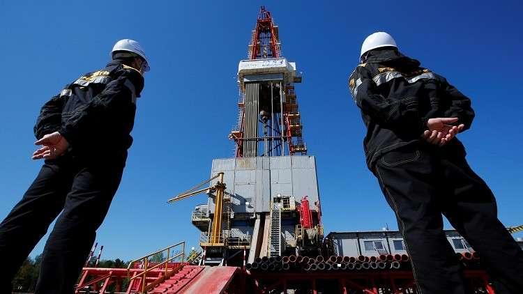 النفط يصعد بفعل مخاوف من تعطل الإمدادات