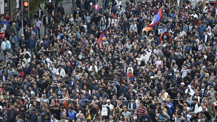تواصل الاحتجاجات في أرمينيا على تعيين الرئيس السابق رئيسا للوزراء