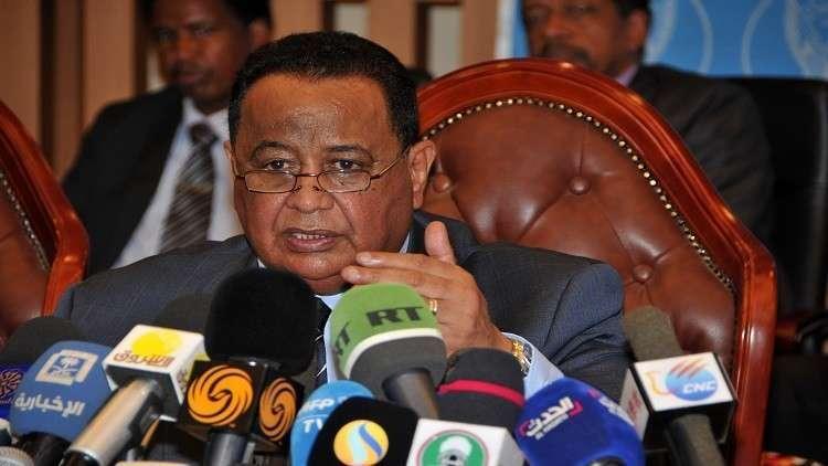 أسباب إعفاء وزير الخارجية السوداني من منصبه