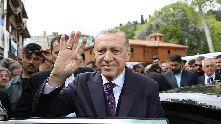 اجتماع مغلق بين أردوغان ورئيس جهاز الاستخبارات التركية