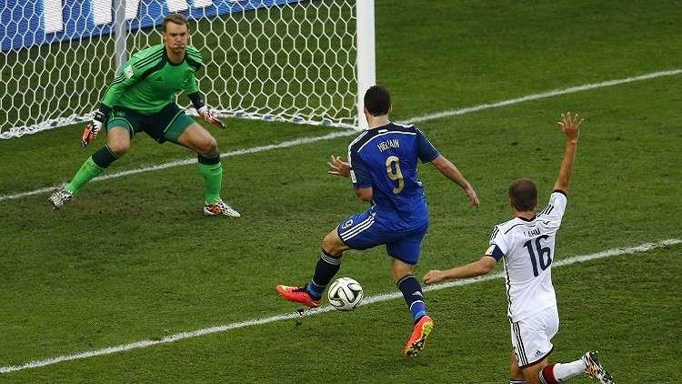 مدرب أرجنتيني شهير يحمل هيغواين مسؤولية ضياع لقب مونديال 2014