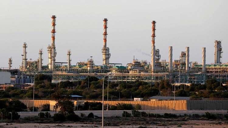 ليبيا.. جماعة مسلحة تهاجم خطا لأنابيب النفط