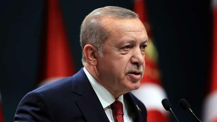 أردوغان يفضح الحلفاء الأمريكيين.. 5000 شاحنة سلاح دخلت سوريا