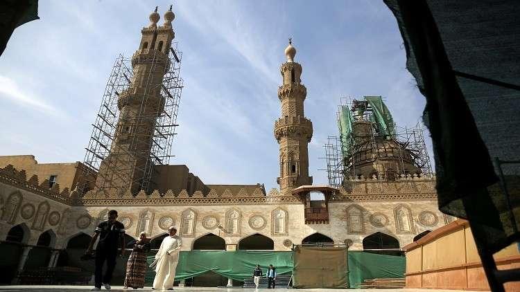 مصر.. جدل حول دمج التعليم العام بالأزهر والأخير يوضح