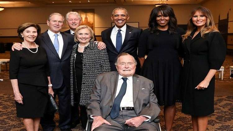 رؤساء أمريكيون سابقون وزوجاتهم في جنازة بربارا بوش