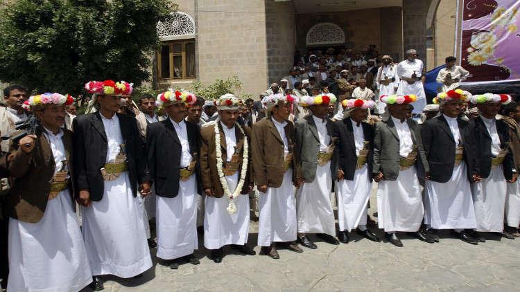 ولي عهد أبوظبي يوجه بتنظيم عرس جماعي لـ2200 شاب وفتاة في اليمن